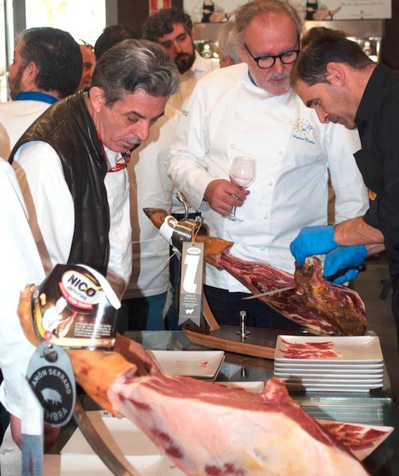 50 chefs de la asociación Euro-Toques visitan las instalaciones de Nico Jamones