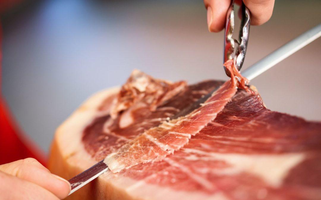 El jamón puede combatir enfermedades intestinales, según un nuevo estudio. Ahora también previene y protege contra los síntomas de colitis ulcerosa.